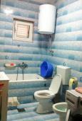 Ванная комната. Бечичи, Черногория, Бечичи : Апартамент с гостиной и отдельной спальней