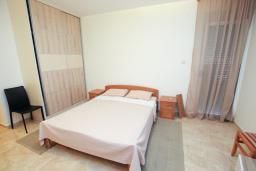 Студия (гостиная+кухня). Бечичи, Черногория, Бечичи : Уютная студия в 100 метрах от пляжа.