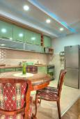 Кухня. Будванская ривьера, Черногория, Святой Стефан : Вилла с бассейном и большой террасой, гостиная, 3 спальни, 3 ванные комнаты, Wi-Fi