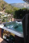 Балкон. Будванская ривьера, Черногория, Будва : Апартамент с видом на море, гостиная, две спальни, две ванные комнаты, джакузи
