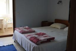 Студия (гостиная+кухня). Бечичи, Черногория, Бечичи : Уютная студия с балконом
