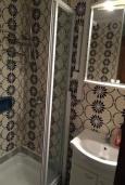 Ванная комната 2. Будванская ривьера, Черногория, Рафаиловичи : Каменный дом в 100 метрах от моря, 4 спальни, 3 ванные комнаты, большая терраса
