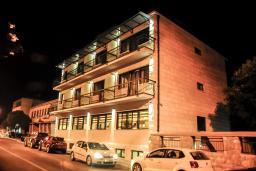 Фасад дома. Porto In 4* в Которе