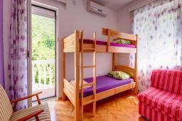Спальня 2. Будванская ривьера, Черногория, Будва : Вилла с бассейном, большой гостиной, 2-мя спальнями, 2-мя ванными комнатами, Wi-Fi