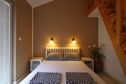 Спальня 2. Бечичи, Черногория, Бечичи : Апартаменты с 2 спальнями и балконом с видом на море