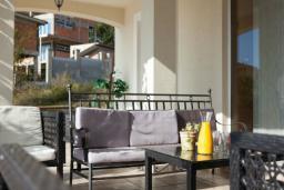 Терраса. Бечичи, Черногория, Бечичи : Апартаменты с 2 спальнями и террасой