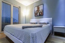 Спальня 2. Бечичи, Черногория, Бечичи : Апартаменты Делюкс с 2 спальнями и балконом с видом на море