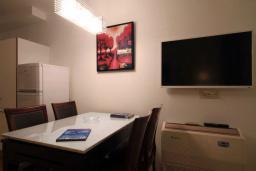 Кухня. Бечичи, Черногория, Бечичи : Апартаменты Делюкс с 1 спальней и балконом