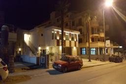 Фасад дома. Masha 3* в Будве