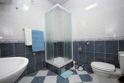 Ванная комната. Бечичи, Черногория, Бечичи : Двухместная студия с террасой (№1 Studio 02)