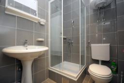 Ванная комната. Бечичи, Черногория, Бечичи : Двухместная студия с видом на море (№7 Studio 02 SV)