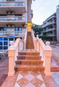 Лестница наверх. Montere Guest House 3* в Петроваце