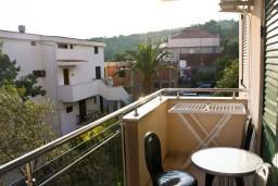 Балкон. Будванская ривьера, Черногория, Петровац : Апартаменты с отдельной спальней, с балконом