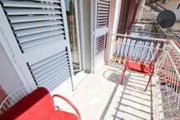 Балкон. Будванская ривьера, Черногория, Петровац : Апартаменты на 5 персон, 2 спальни, с видом на море
