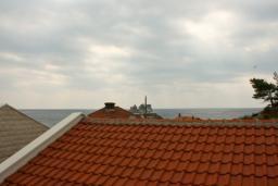 Будванская ривьера, Черногория, Петровац : Комната на 2 персоны, с кондиционером, видом на море, 10 метров от пляжа
