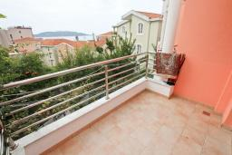 Балкон. Рафаиловичи, Черногория, Рафаиловичи : Апартаменты с отдельной спальней, с балконом c видом на море