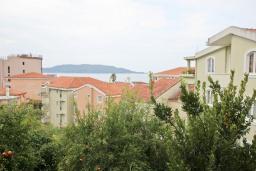Вид на море. Рафаиловичи, Черногория, Рафаиловичи : Апартаменты с отдельной спальней, с балконом c видом на море