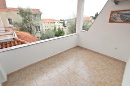 Балкон. Рафаиловичи, Черногория, Рафаиловичи : Апартамент для 4-6 человек, с 2-мя отдельными спальнями, с балконом с видом на море