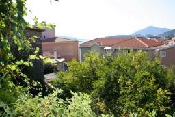 Вид на море. Рафаиловичи, Черногория, Рафаиловичи : Апартамент с видом на море, 70 метров от пляжа