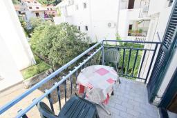 Балкон. Рафаиловичи, Черногория, Рафаиловичи : Студия с балконом в 15 метрах от моря