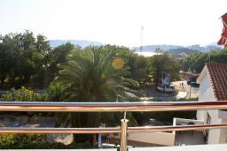 Вид. Бечичи, Черногория, Бечичи : Апартаменты в Бечичи с видом на море