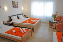 Студия (гостиная+кухня). Бечичи, Черногория, Бечичи : Студия с балконом с видом на море
