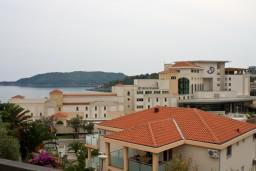 Вид на море. Бечичи, Черногория, Бечичи : Апартамент в Бечичи с видом на море