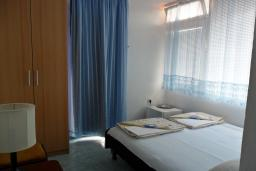 Будванская ривьера, Черногория, Бечичи : Комната на 2 персоны с кондиционером, с видом на море