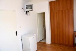 Спальня. Бечичи, Черногория, Бечичи : Комната на 2 персоны с кондиционером