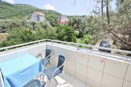 Балкон. Бечичи, Черногория, Бечичи : Студия с балконом в 250 метрах от моря