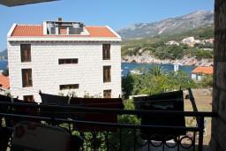 Вид на море. Будванская ривьера, Черногория, Пржно : Апартаменты на 5 персон, 3 спальни, 20 метров от пляжа