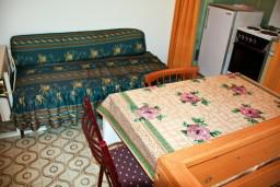 Будванская ривьера, Черногория, Пржно : Комната на 2 персоны с кондиционером, 50 метров от пляжа
