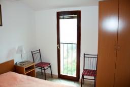 Спальня 2. Будванская ривьера, Черногория, Каменово : Апартаменты на 4 персоны, 2 спальни, с видом на море