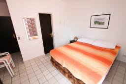 Студия (гостиная+кухня). Будванская ривьера, Черногория, Каменово : Студия с видом на море, 150 метров от пляжа