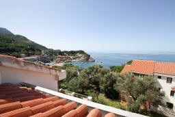 Вид. Будванская ривьера, Черногория, Каменово : Студия с террасой с шикарным видом на море, 150 метров от пляжа