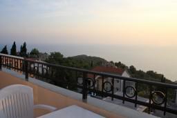 Вид на море. Будванская ривьера, Черногория, Святой Стефан : Комната на 2 персоны с видом на море
