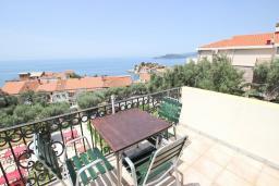 Вид на море. Будванская ривьера, Черногория, Святой Стефан : Апартаменты на 4 персоны, 2 спальни, с видом на море