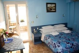 Будванская ривьера, Черногория, Святой Стефан : Комната на 2 персоны с видом на море