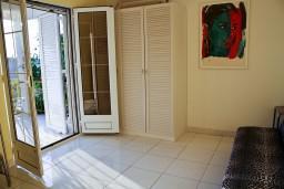 Гостиная. Будванская ривьера, Черногория, Святой Стефан : Апартаменты на 4 персоны с видом на море, 100 метров от пляжа