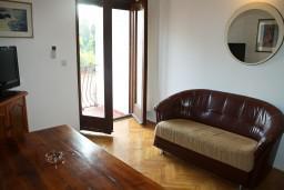 Гостиная. Будванская ривьера, Черногория, Булярица : Апартаменты на 5 персон, 2 спальни