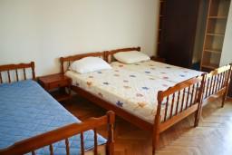 Спальня 2. Будванская ривьера, Черногория, Булярица : Апартаменты на 5 персон, 2 спальни