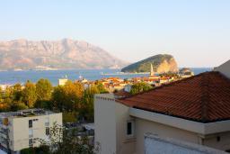 Вид на море. Будванская ривьера, Черногория, Будва : Студия c видом на море, 100 метров от пляжа