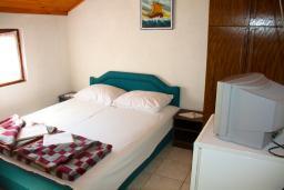 Будванская ривьера, Черногория, Будва : Комната на 2 персоны, с кондиционером