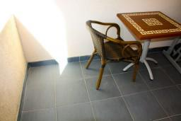Балкон. Будванская ривьера, Черногория, Будва : Комната на 3 персоны, с кондиционером, с видом на море