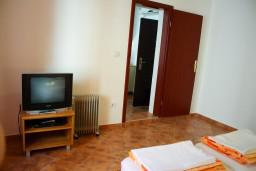 Спальня 2. Боко-Которская бухта, Черногория, Котор : Апартаменты на 5 персон, 2 спальни