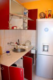 Кухня. Боко-Которская бухта, Черногория, Доброта : Студия в Доброте с видом на море, 80 метров от пляжа