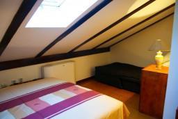Спальня 2. Боко-Которская бухта, Черногория, Котор : Апартаменты на 7 персон с видом на море, 2 спальни