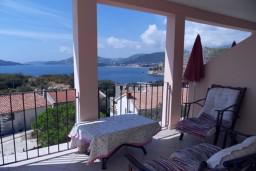 Вид. Будванская ривьера, Черногория, Каменово : Апартамент с отдельной спальней, с террасой с видом на море