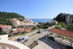 Вид на море. Будванская ривьера, Черногория, Бечичи : Апартаменты с террасой с видом на море