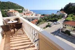 Балкон. Будванская ривьера, Черногория, Бечичи : Апартаменты с балконом с видом на море